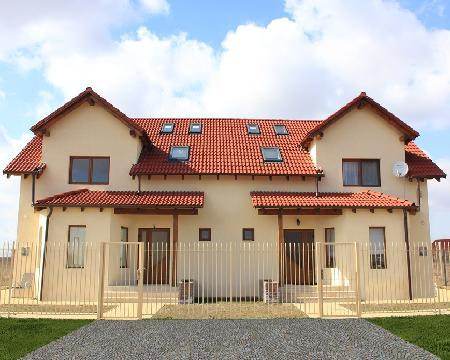 Sc chiulan house factory srl produttori di case in legno for Case in legno rumene